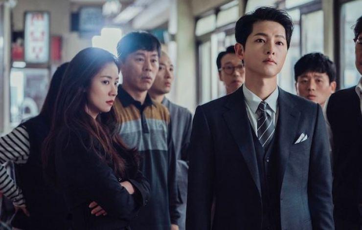 В пятницу была премьера новой южнокорейской дорамы телеканала TvN «Винченцо» с актером Сон Чжун Ки в главной роли